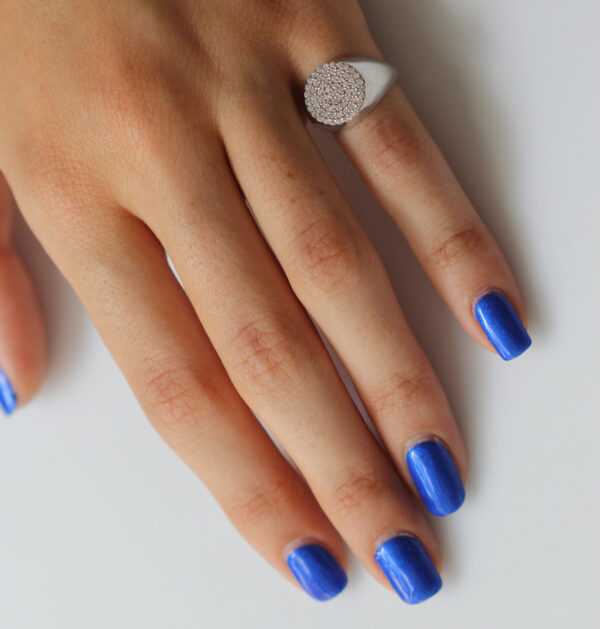טבעת כסף - חותם לזרת עיגול משובץ