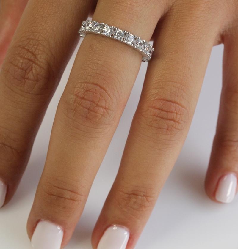 טבעת כסף קלאסית שורת זירקונים